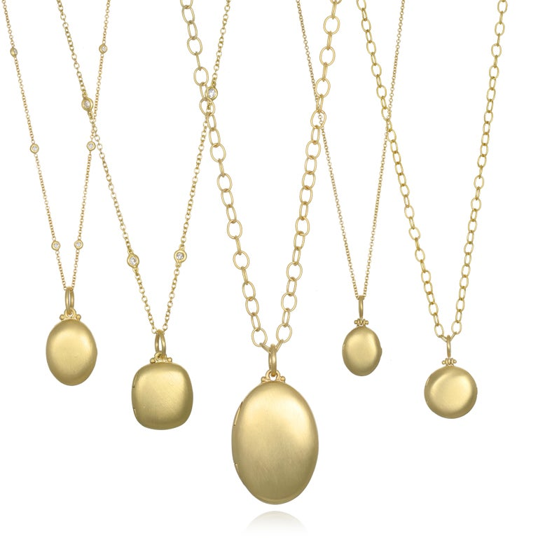 Contemporary Faye Kim 18 Karat Gold Large Oval Locket For Sale