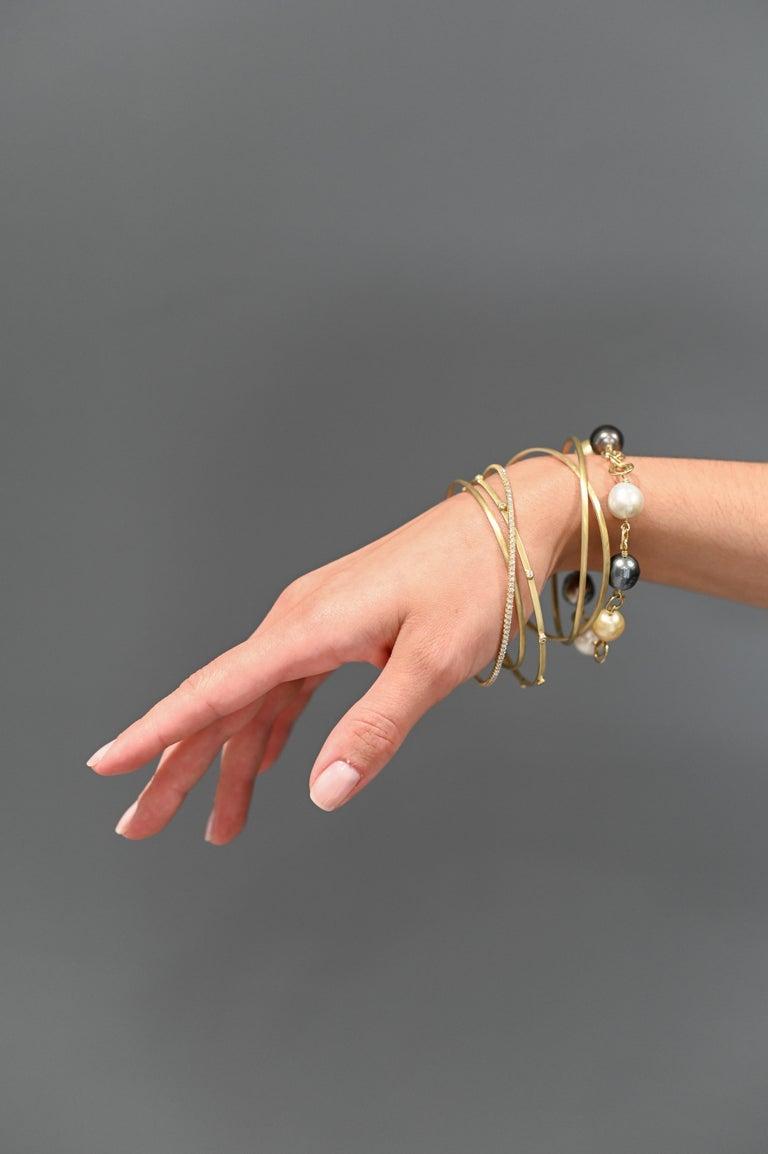 Contemporary Faye Kim 18 Karat Gold Multi-Color South Sea Pearl Gold Link Bracelet For Sale