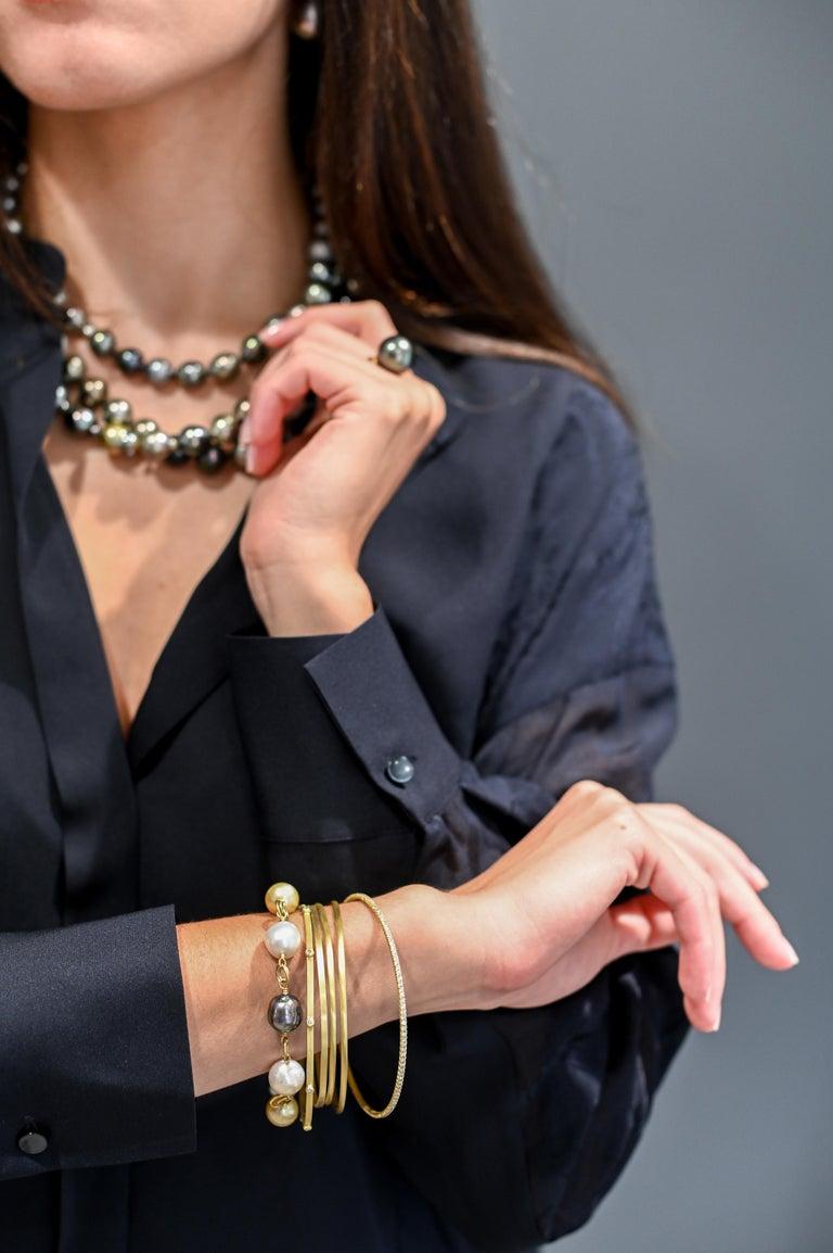 Uncut Faye Kim 18 Karat Gold Multi-Color South Sea Pearl Gold Link Bracelet For Sale