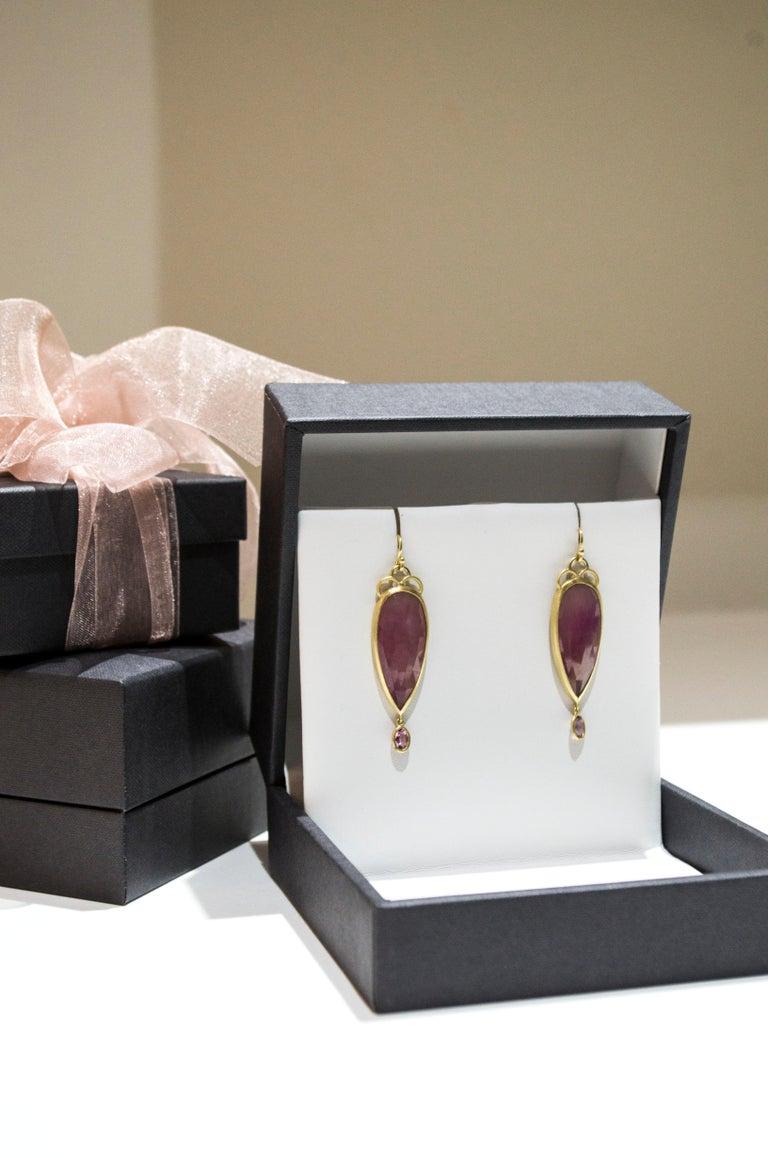 Faye Kim 18 Karat Gold Pink Rose Cut Sapphire Drop Earrings In New Condition For Sale In Westport, CT
