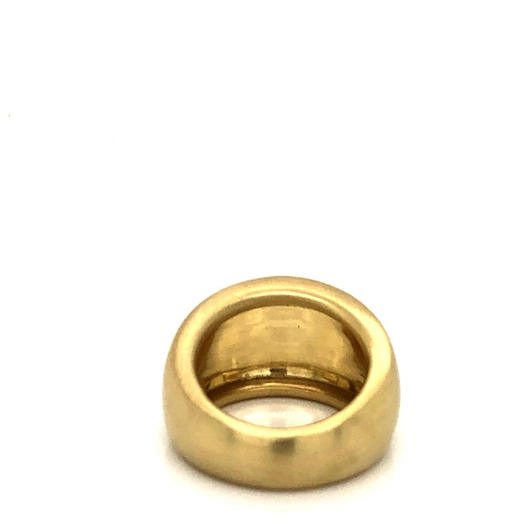 Faye Kim 18 Karat Gold Wide Tapered Band Ring In New Condition For Sale In Westport, CT