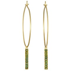 Faye Kim 18 Karat Gold Wire Hoops with Green Raw Diamond Bar Drops