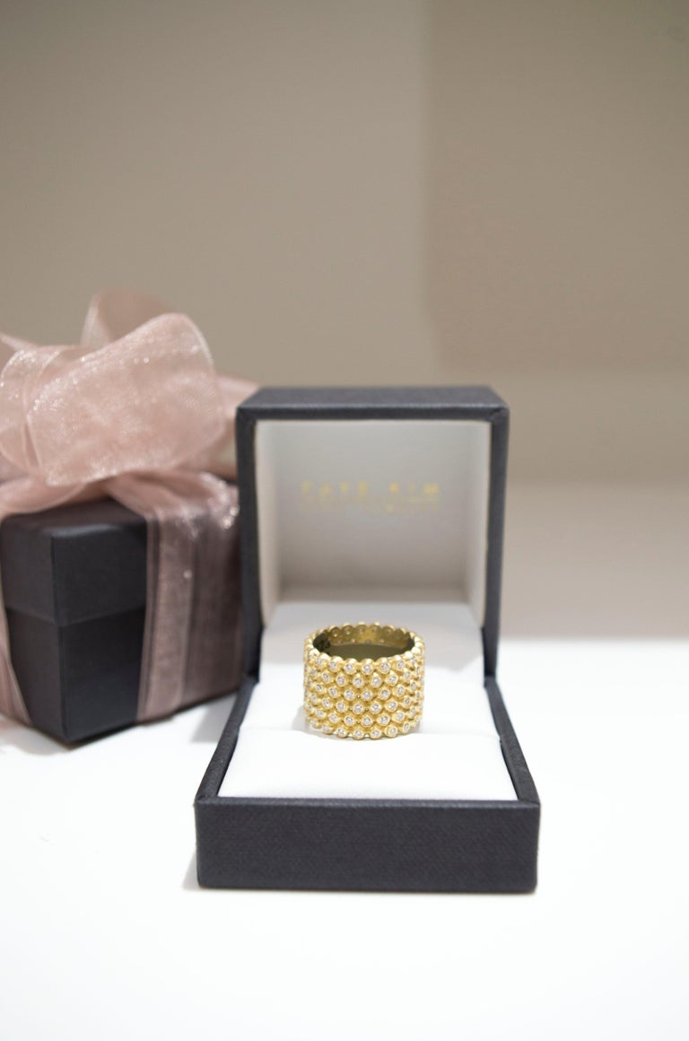 Faye Kim 18k Gold Diamond Cigar Band Ring In New Condition For Sale In Westport, CT