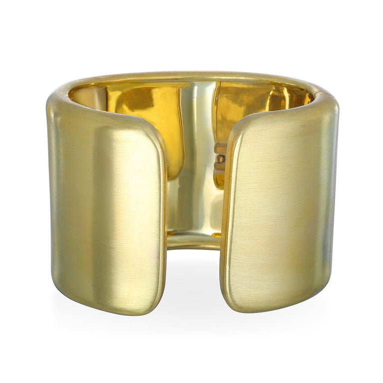 Contemporary Faye Kim 18 Karat Gold Cuff For Sale