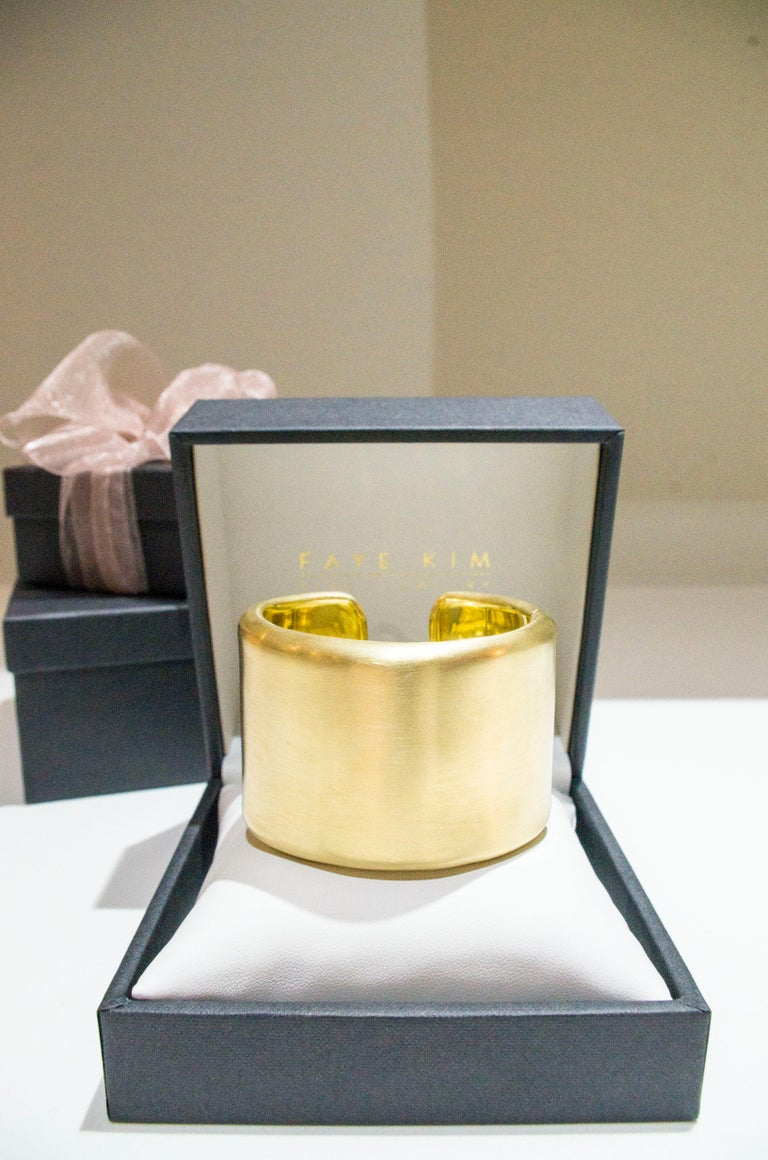 Faye Kim 18 Karat Gold Cuff For Sale 2