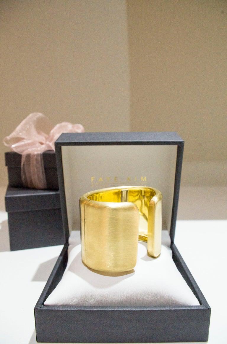 Faye Kim 18 Karat Gold Cuff For Sale 3