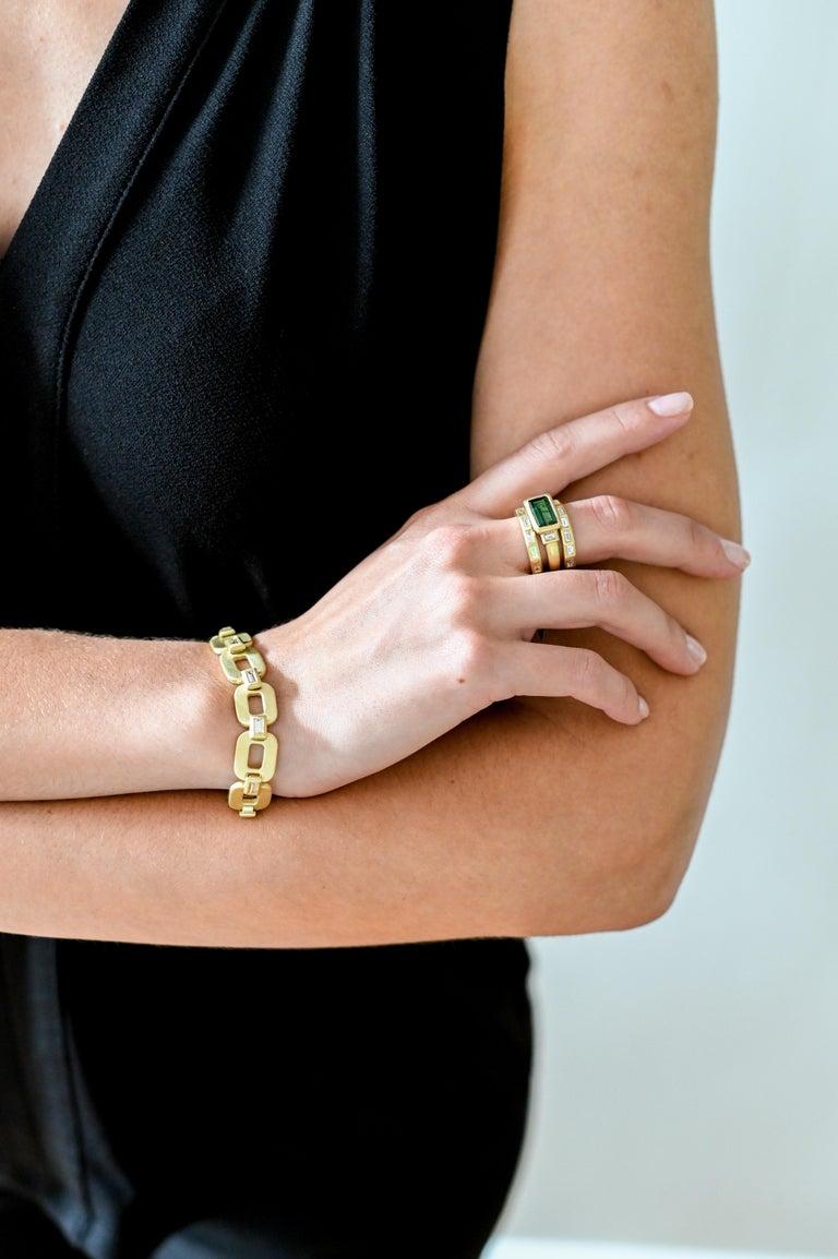 Contemporary Faye Kim 18 Karat Gold Diamond Baguette Link Bracelet For Sale
