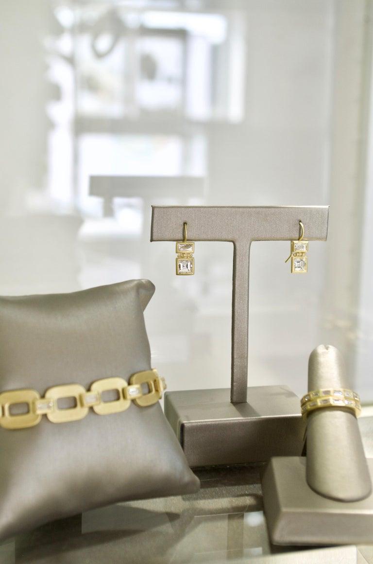 Faye Kim 18 Karat Gold Diamond Baguette Link Bracelet In New Condition For Sale In Westport, CT
