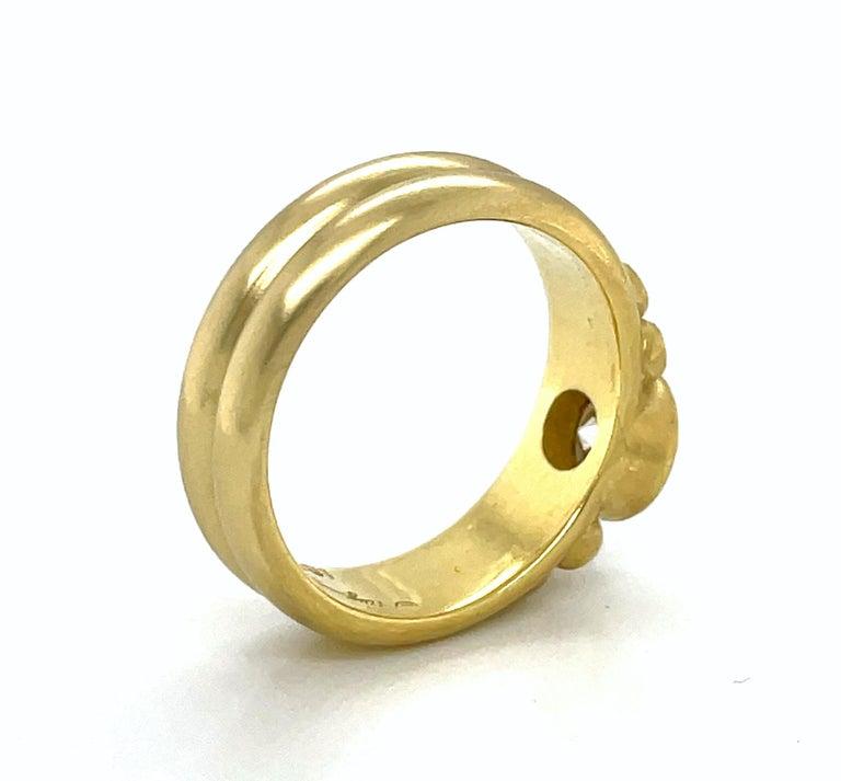Round Cut Faye Kim 18k Gold Diamond Bezel Engagement Ring with Triple Diamond Granulation For Sale