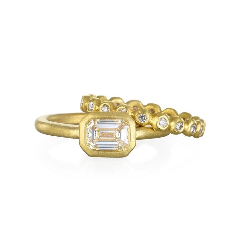 Contemporary Faye Kim 18k Gold Emerald Cut Diamond Ring For Sale