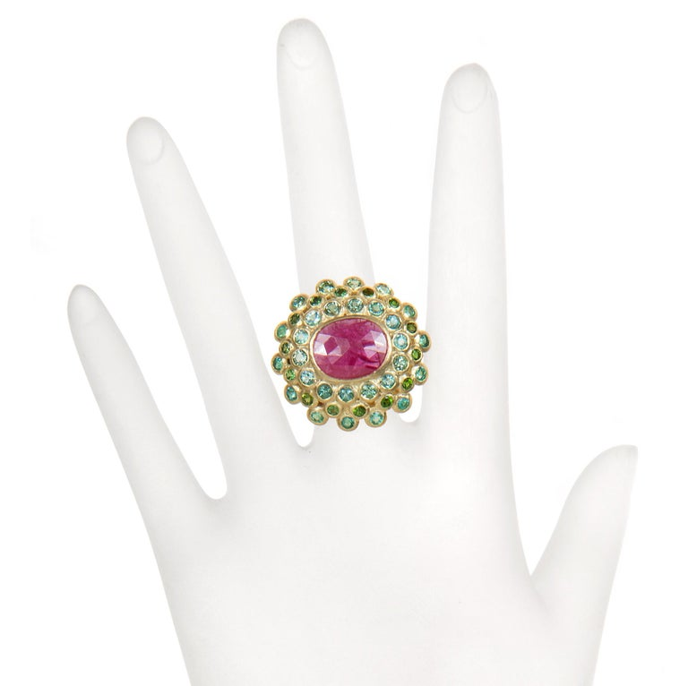 Faye Kim 18k Gold Madagascar Ruby Paraiba Tourmaline and Tsavorite Cocktail Ring In New Condition For Sale In Westport, CT