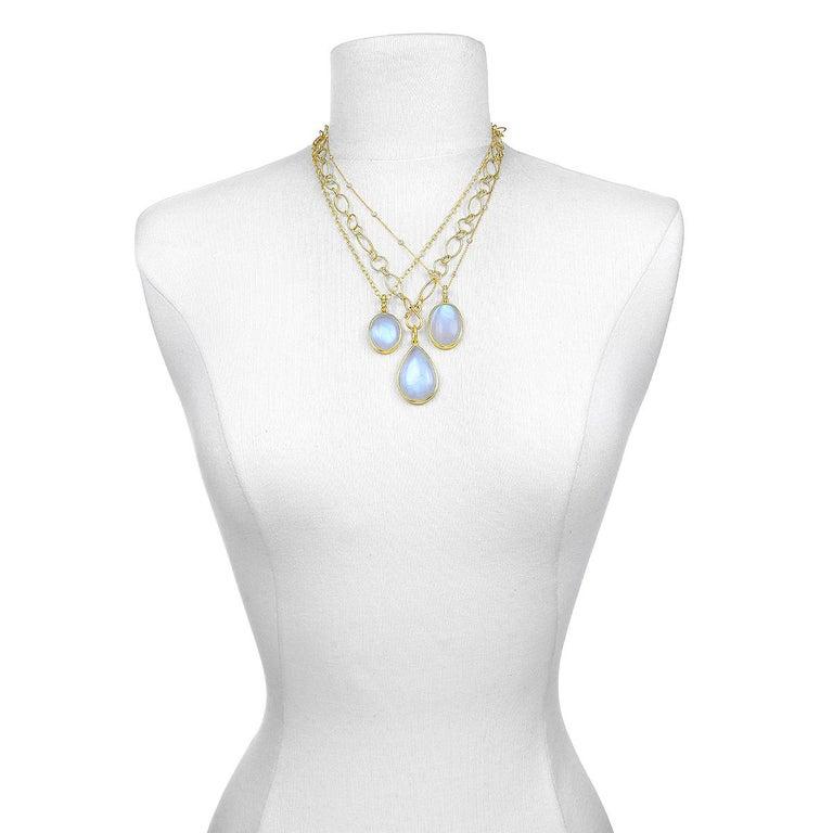 Contemporary Faye Kim 18 Karat Gold Rainbow Moonstone Pendant Necklace with Diamonds For Sale