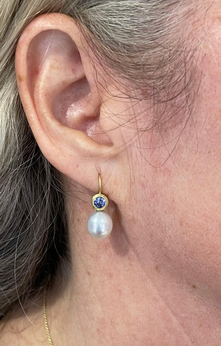 Faye Kim 18k Gold White Sapphire and Freshwater Pearl Earrings In New Condition For Sale In Westport, CT