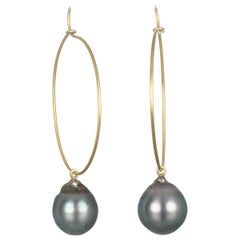 Faye Kim 18 Karat Gold Wire Hoop Earrings with Black Tahitian Pearl Drops