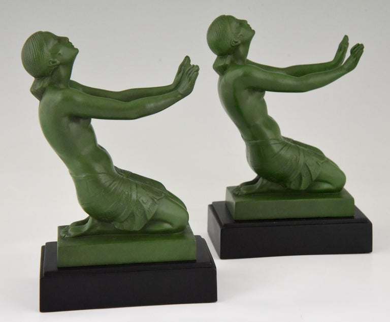 Fayral Pierre Le Faguays Art Deco Bookends with Kneeling Nudes, 1930 For Sale 1