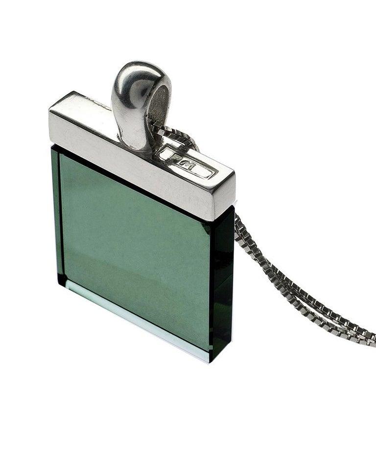 Feat in Vogue UA Designer Necklace with Emerald Color Green Quartz For Sale 6