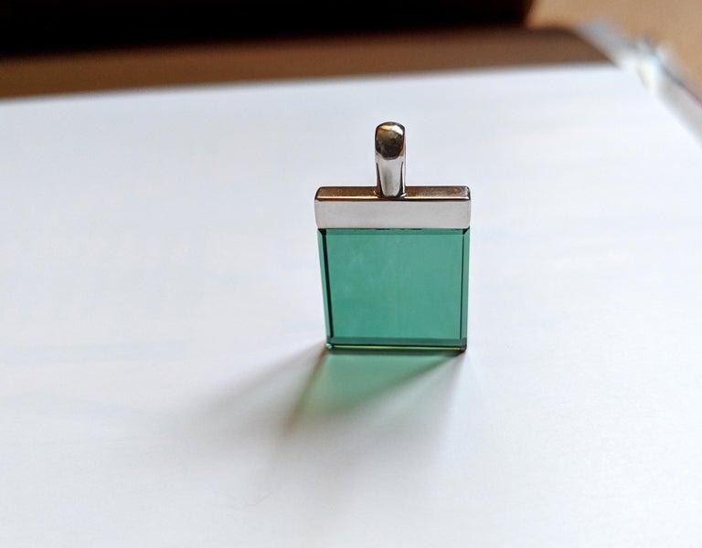 Feat in Vogue UA Designer Necklace with Emerald Color Green Quartz For Sale 3