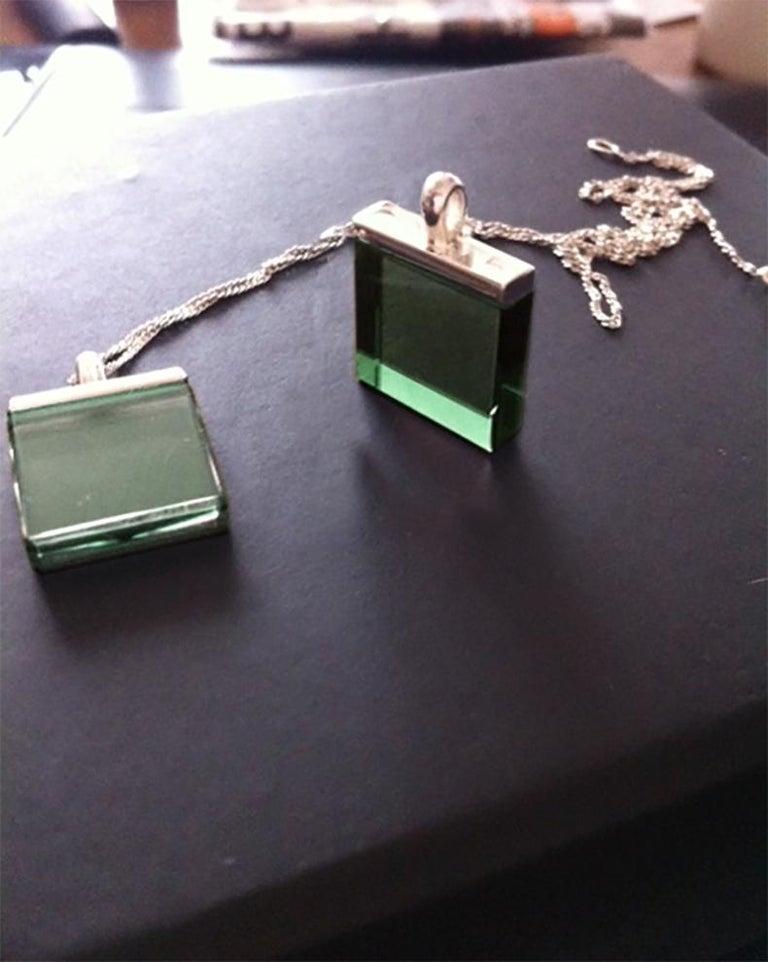 Feat in Vogue UA Designer Necklace with Emerald Color Green Quartz For Sale 4