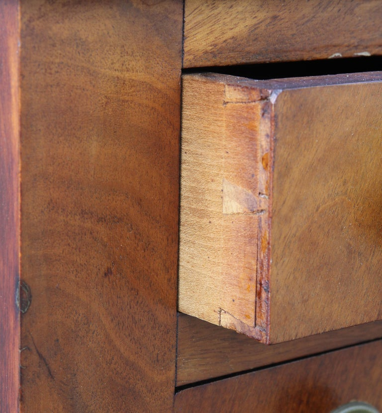 Early 19th Century Federal Mahogany Bedside Table