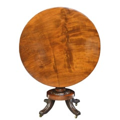 Federal Round Tilt-Top Pedestal Table in Mahogany, New York, circa 1820