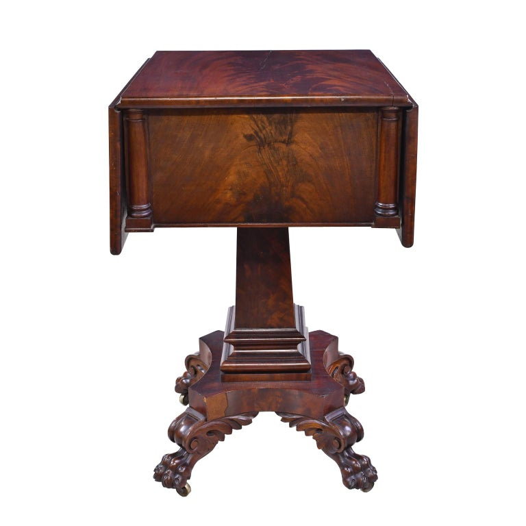 Federal Work Table in Mahogany Attributed to Isaac Vose, Boston, circa 1820 For Sale 5