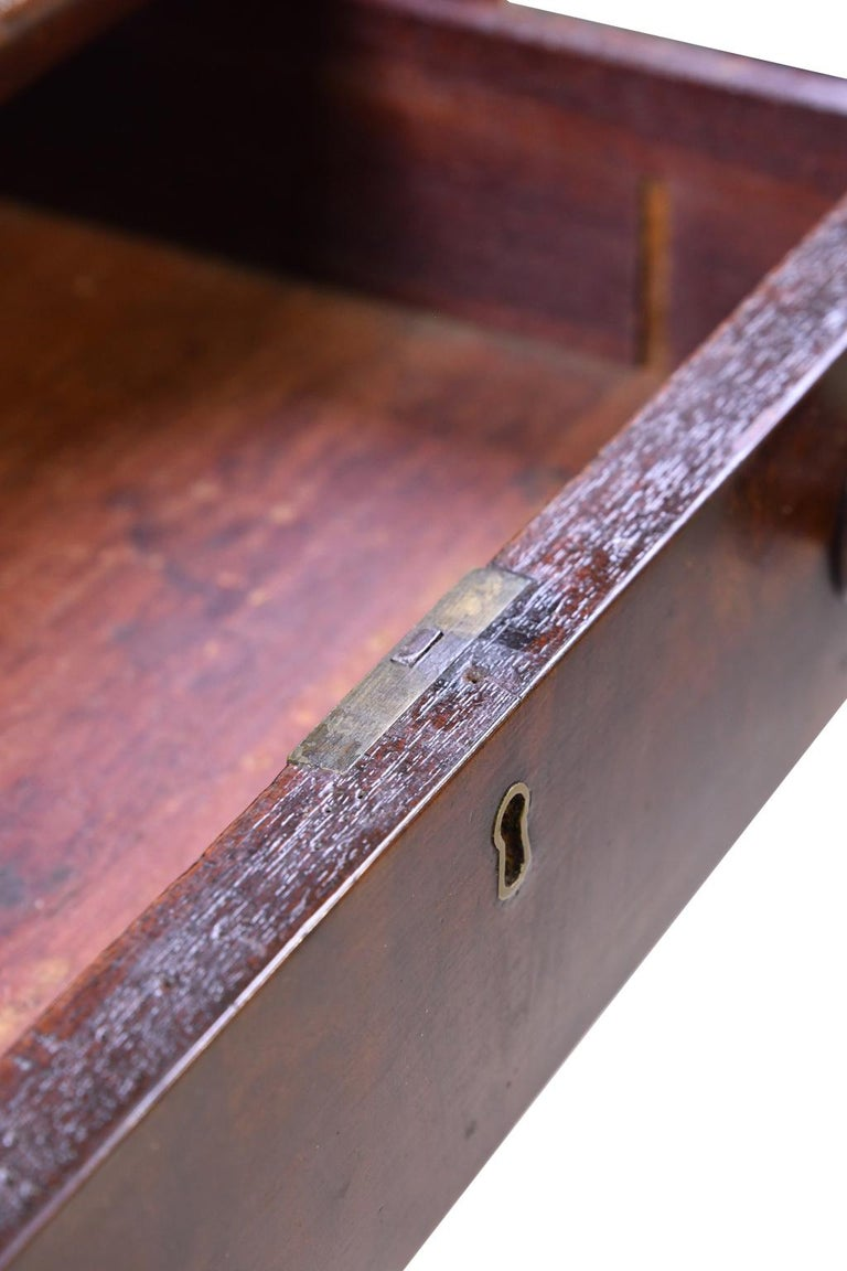 Federal Work Table in Mahogany Attributed to Isaac Vose, Boston, circa 1820 For Sale 6