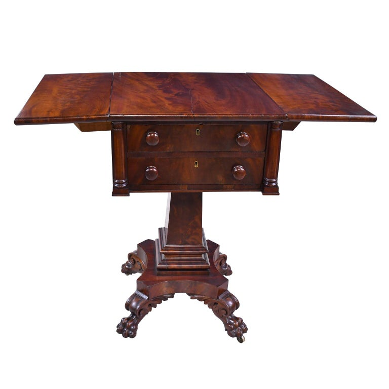 American Federal Work Table in Mahogany Attributed to Isaac Vose, Boston, circa 1820 For Sale