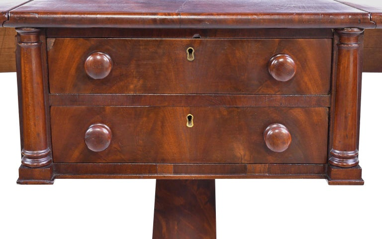 Early 19th Century Federal Work Table in Mahogany Attributed to Isaac Vose, Boston, circa 1820 For Sale