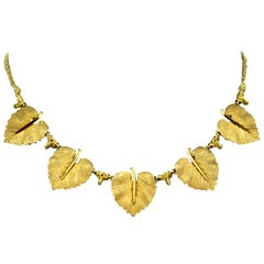 Federico Buccellati, Vintage Italian 18 Karat Gold Linea Leaf Ladies Necklace