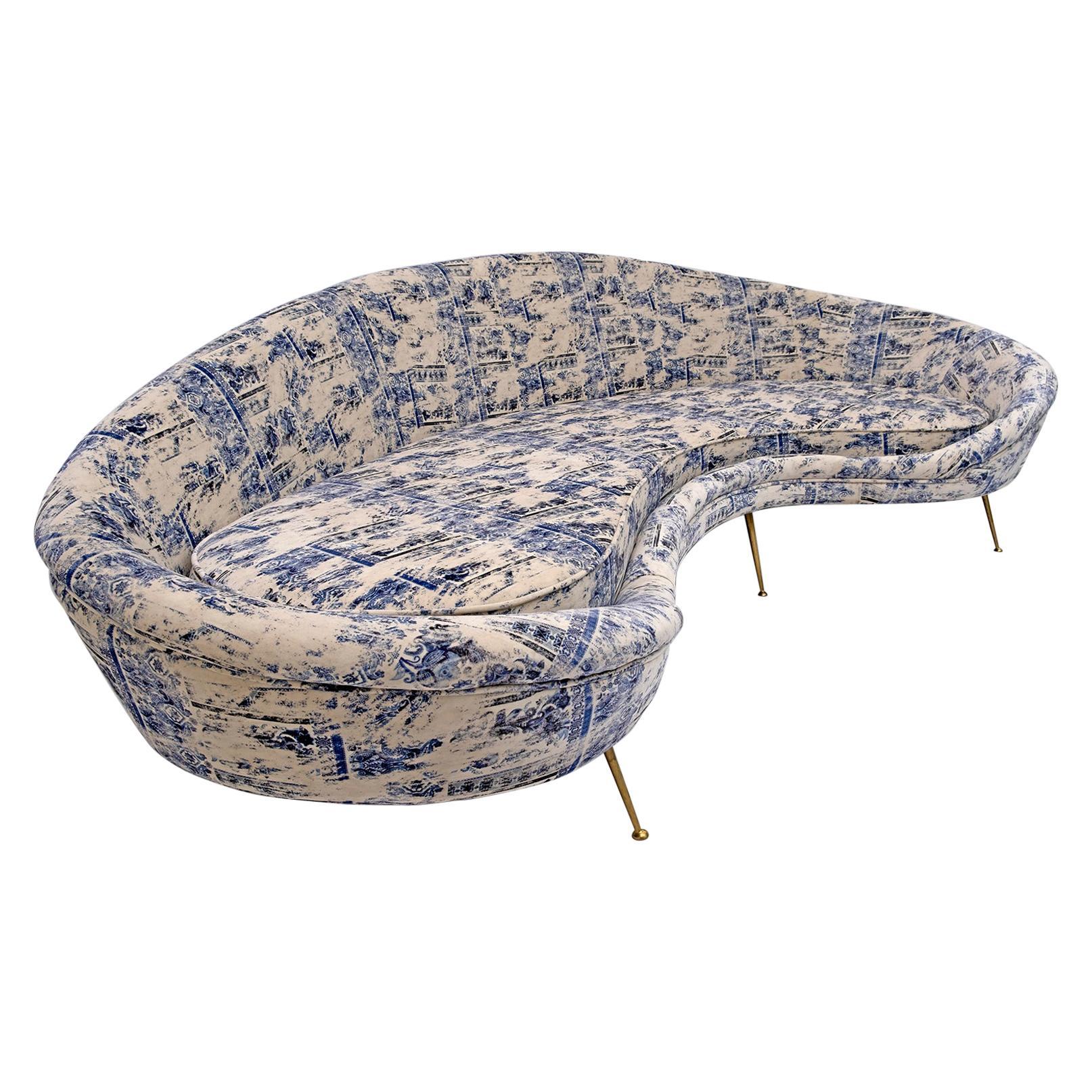 Federico Munari Mid-Century Modern Italian Velvet Curved Sofa, 1950s