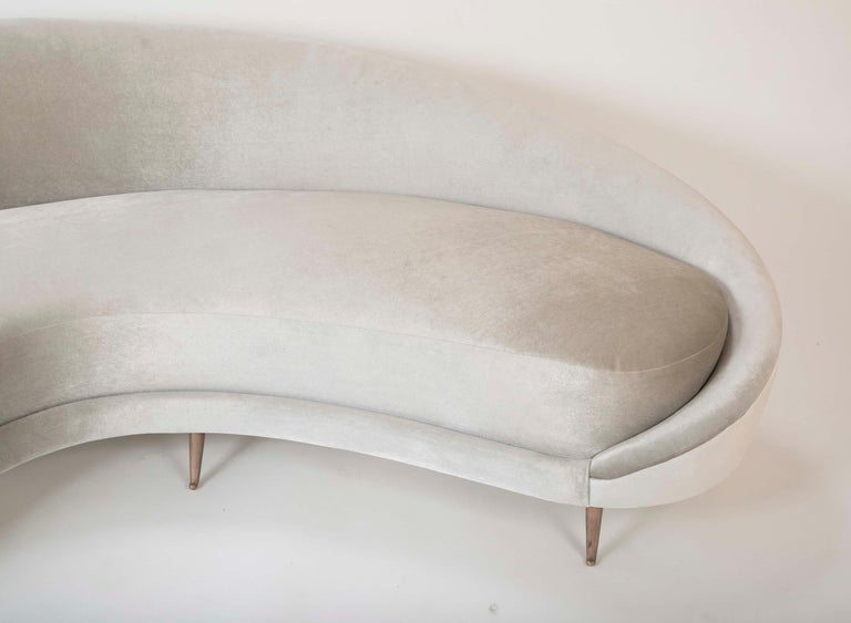 Federico Munari Sofa in Velvet In Good Condition For Sale In Stamford, CT