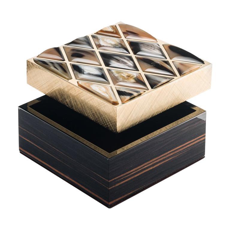 Fedora Box in Glossy Ebony, Corno Italiano and 24-K Gold-Plated Brass, Mod. 1695 For Sale