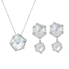 Fei Liu 18 Karat White Gold Mother of Pearl and Diamonds Earrings Necklace Set