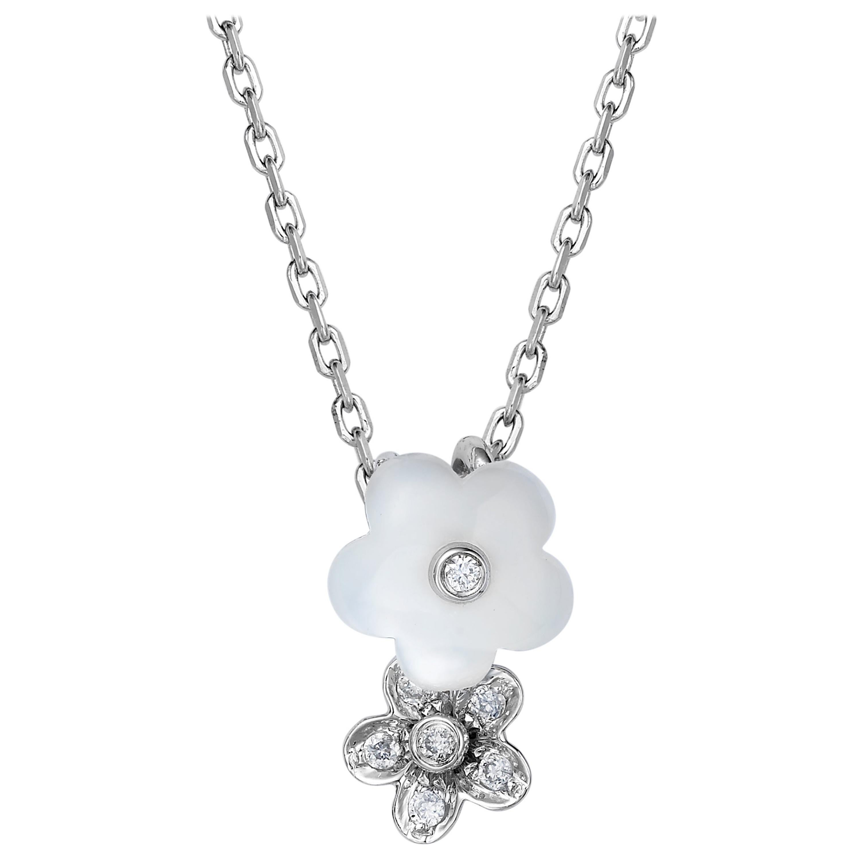 Fei Liu Mother of Pearl Diamond 18 Karat White Gold Flower Pendant Necklace