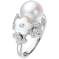Fei Liu Mother of Pearl Freshwater Diamond 18 Karat White Gold Cocktail Ring