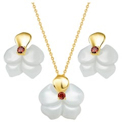 Fei Liu Russian Nephrite Orchid Garnet 14ct Yellow Gold Necklace Earrings Set