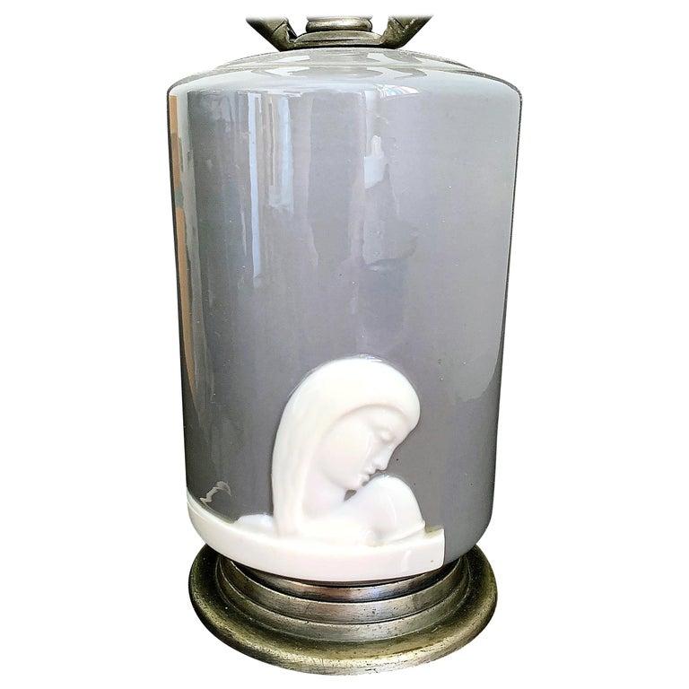 """Female Figure in Profile,"" Rare Art Deco Boudoir Lamp by Lenox in Gray & White For Sale"