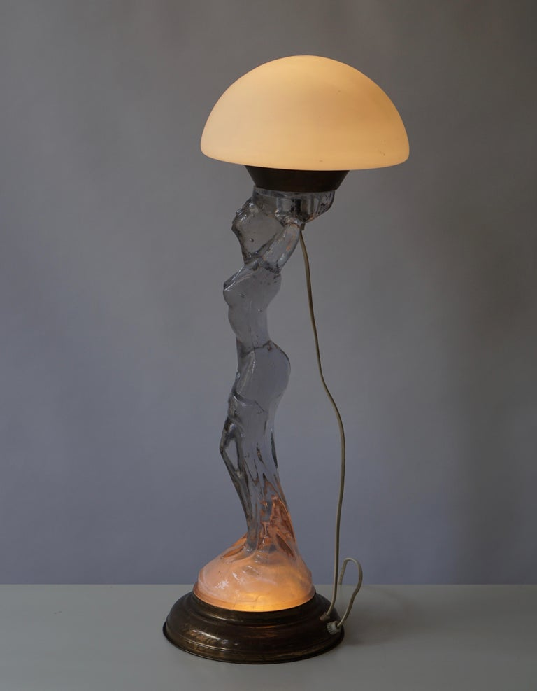 Female Nude Table Lamp in Glass and Brass For Sale 3