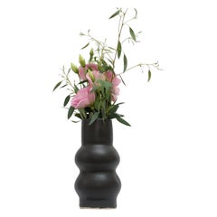 Femme II Unique Stoneware Vase by Ila Cerámica