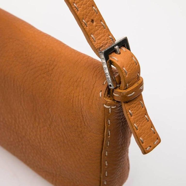 FENDI Baguette Bag in Gold Taurillon Leather 6