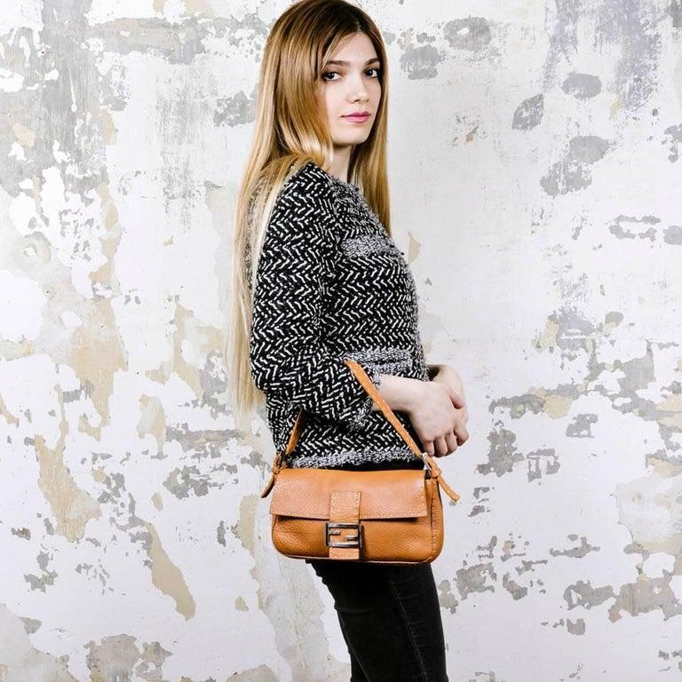 FENDI Baguette Bag in Gold Taurillon Leather 11