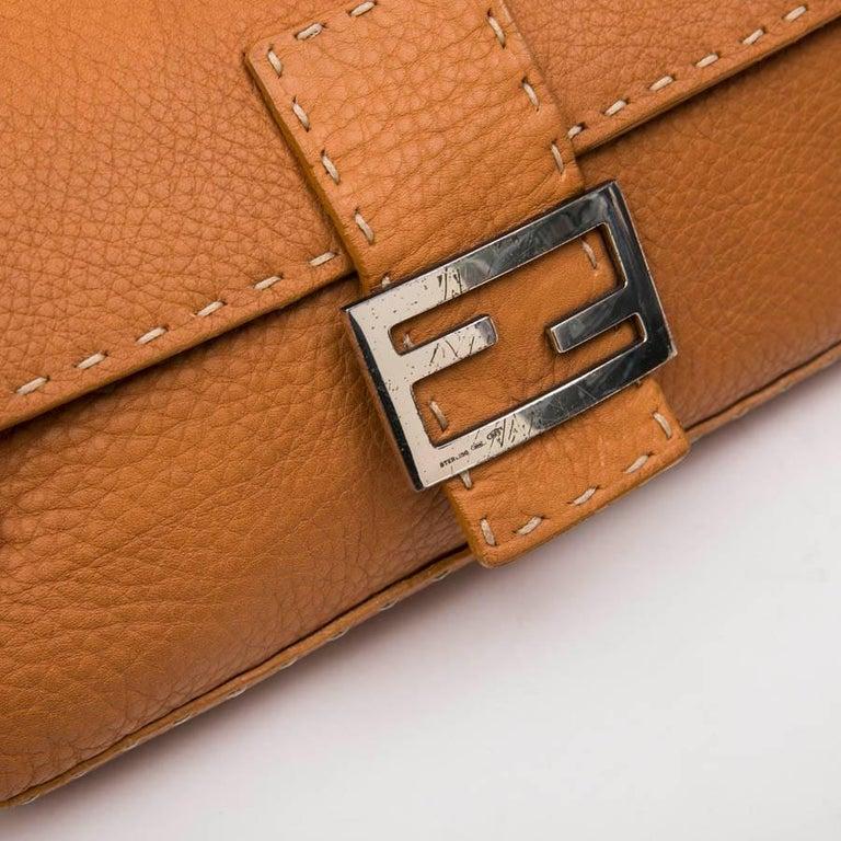 FENDI Baguette Bag in Gold Taurillon Leather 3