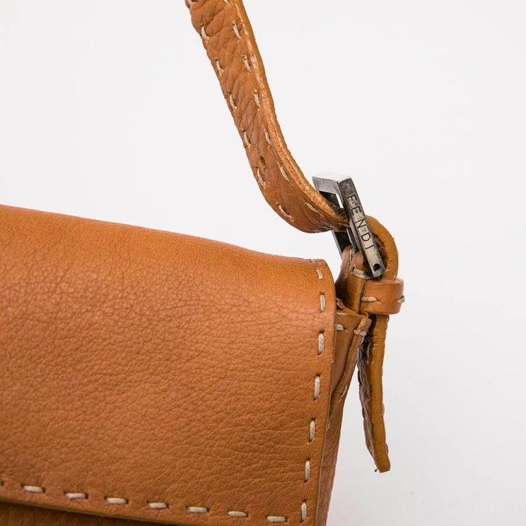 FENDI Baguette Bag in Gold Taurillon Leather 5