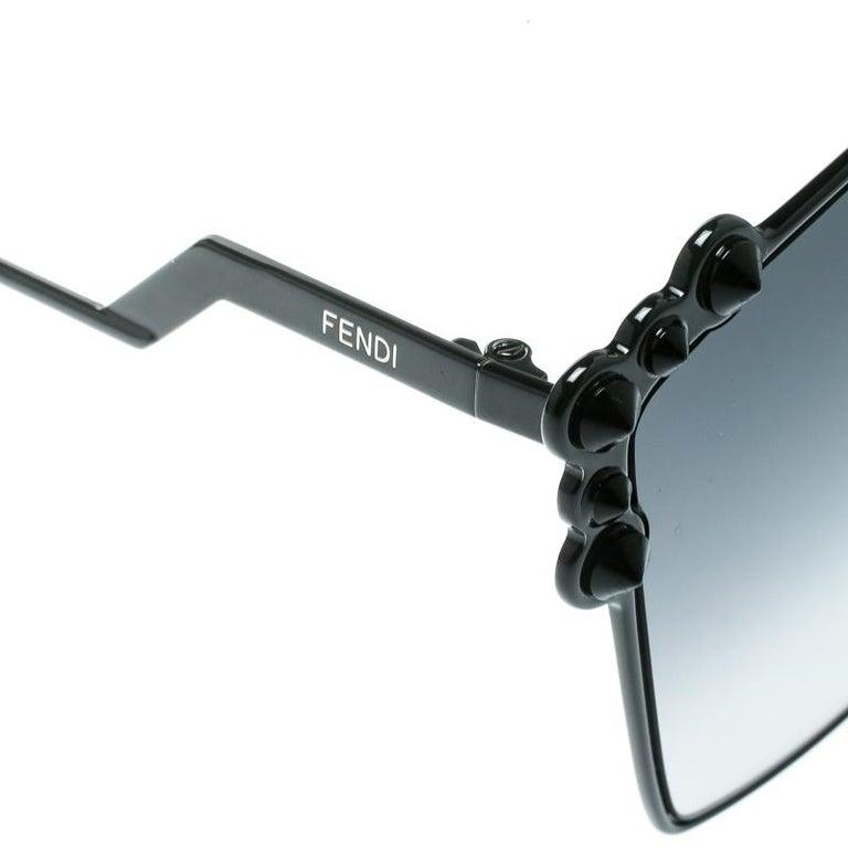 Women's Fendi Black / Grey Gradient FF 0261/S Spike Studded Can Eye Geometric Sunglasses For Sale