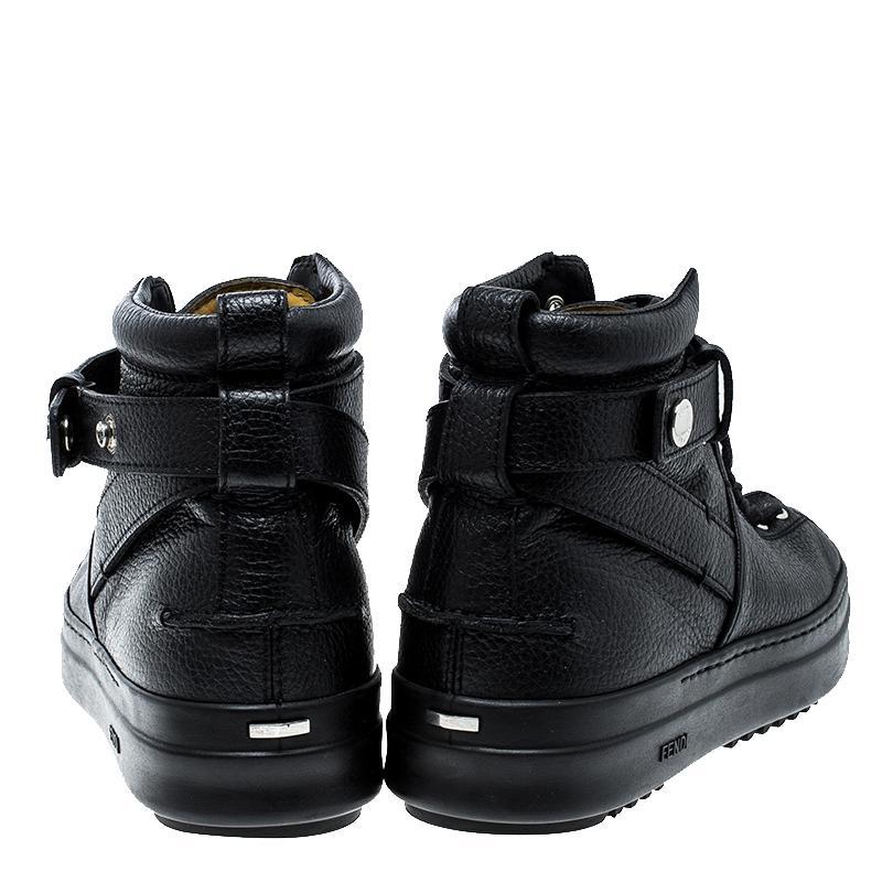 Balenciaga Sneaker High Top Leder schwarz Lochmuster