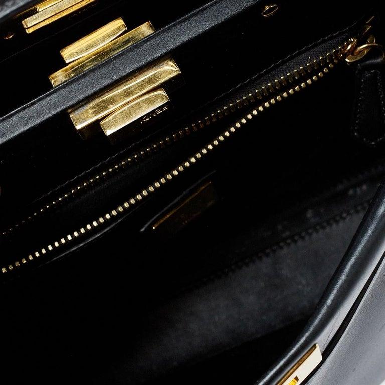 Fendi Black Leather Medium Peekaboo Top Handle Bag In Good Condition In Dubai, Al Qouz 2