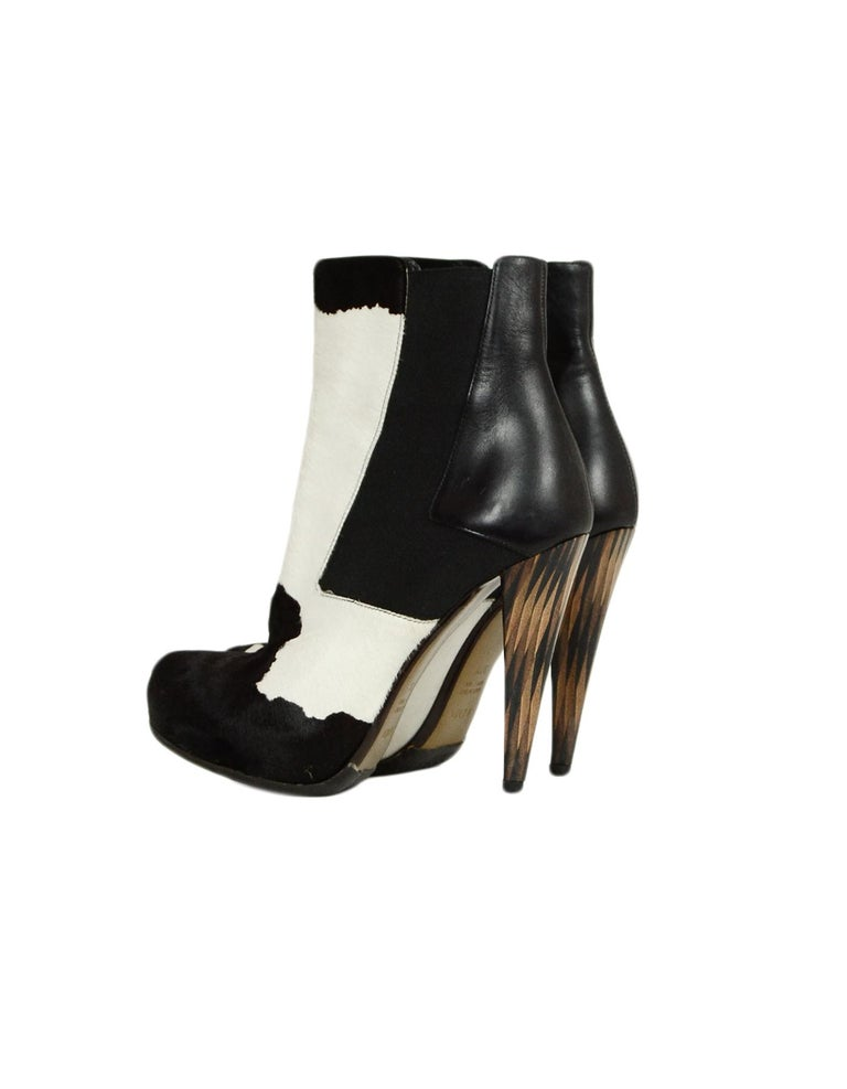 Fendi Black/White Calf Hair Bootie sz 37.5 In Excellent Condition In New York, NY