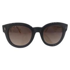 Fendi black yellow sunglasses NWOT