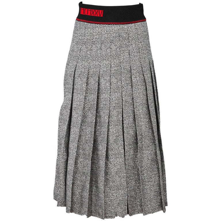 d7e28de918 Fendi Black, Grey and Red Wool MCMXXV Pleated Skirt Sz IT42 For Sale ...
