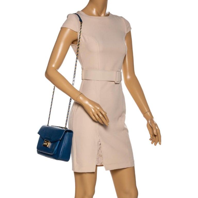 Fendi Blue Leather Be Baguette Shoulder Bag In Good Condition For Sale In Dubai, Al Qouz 2